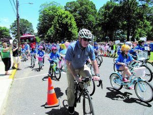 Mayor Lucarelli of Fair Haven, NJ rides with students.